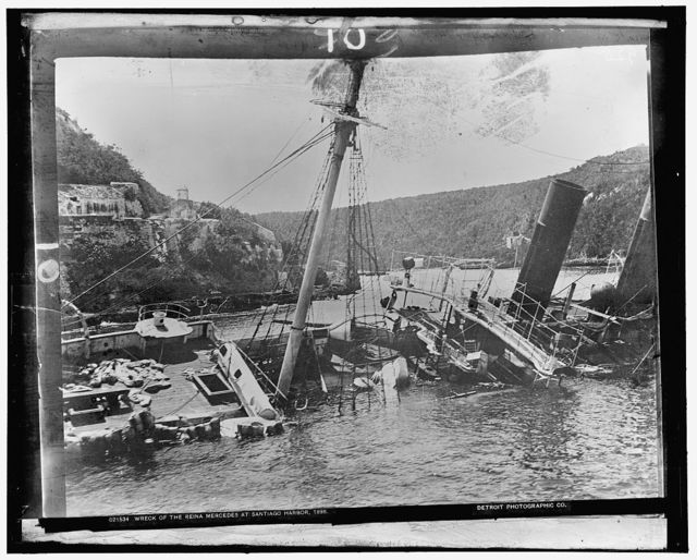 Wreck of the Reina Mercedes at Santiago harbor, 1898