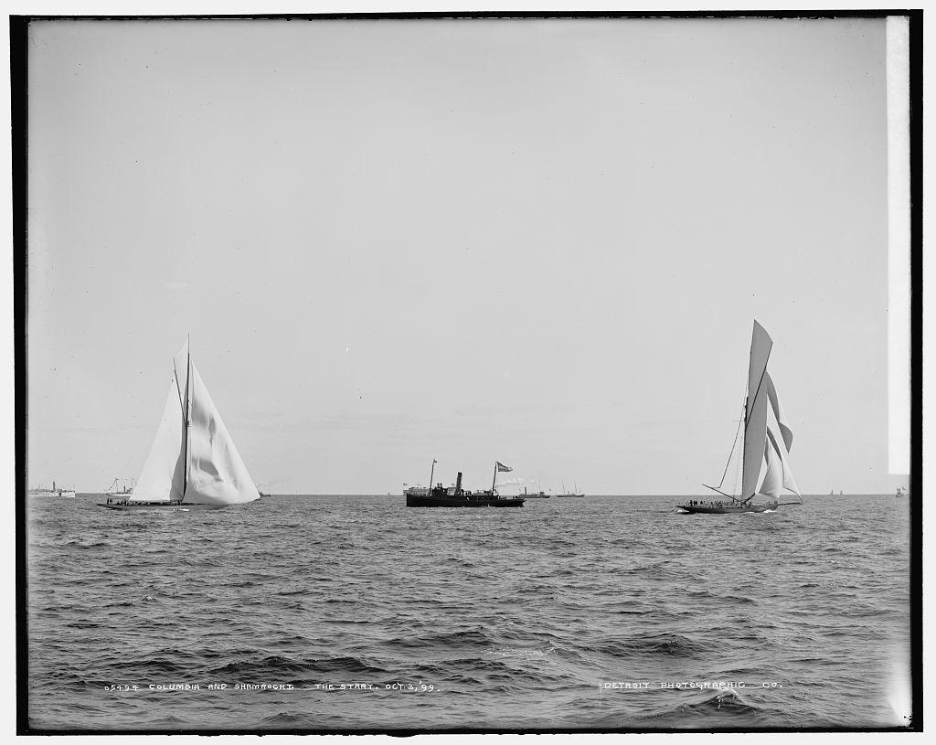 Columbia and Shamrock I, the start