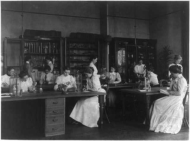 [Girls in a science laboratory at Eastern High School, Washington, D.C.]