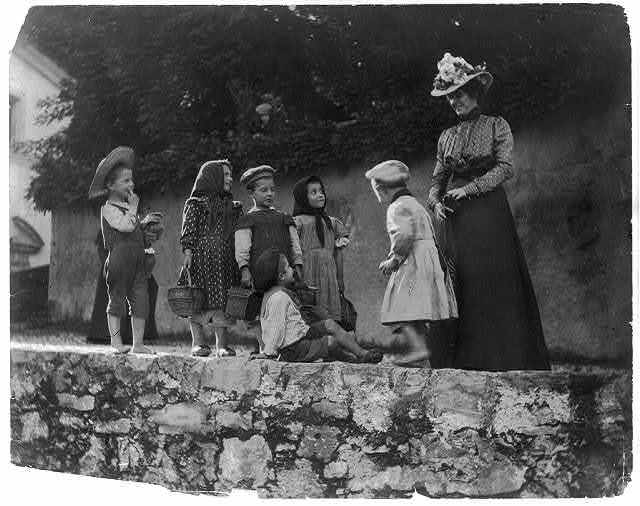 International courtesy. Italian children and wife of U.S. consul at Leghorn [Italy, 1899]