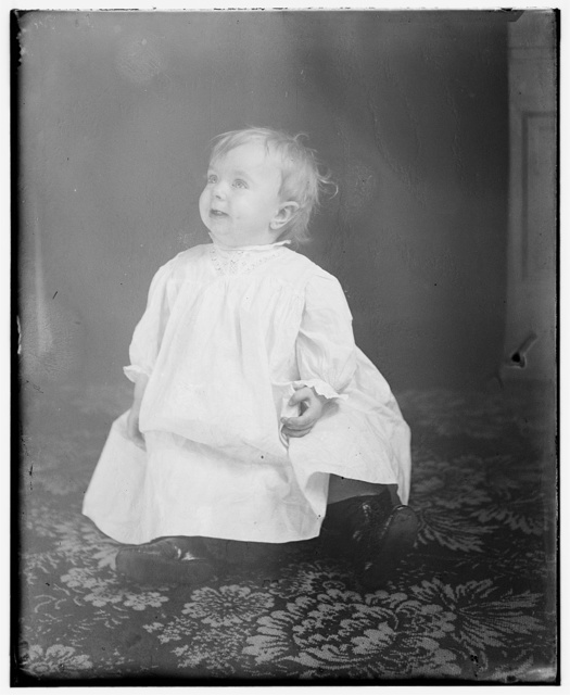 [Leontine Wright, niece of Wilbur and Orville, daughter of Lorin Wright, age one year]