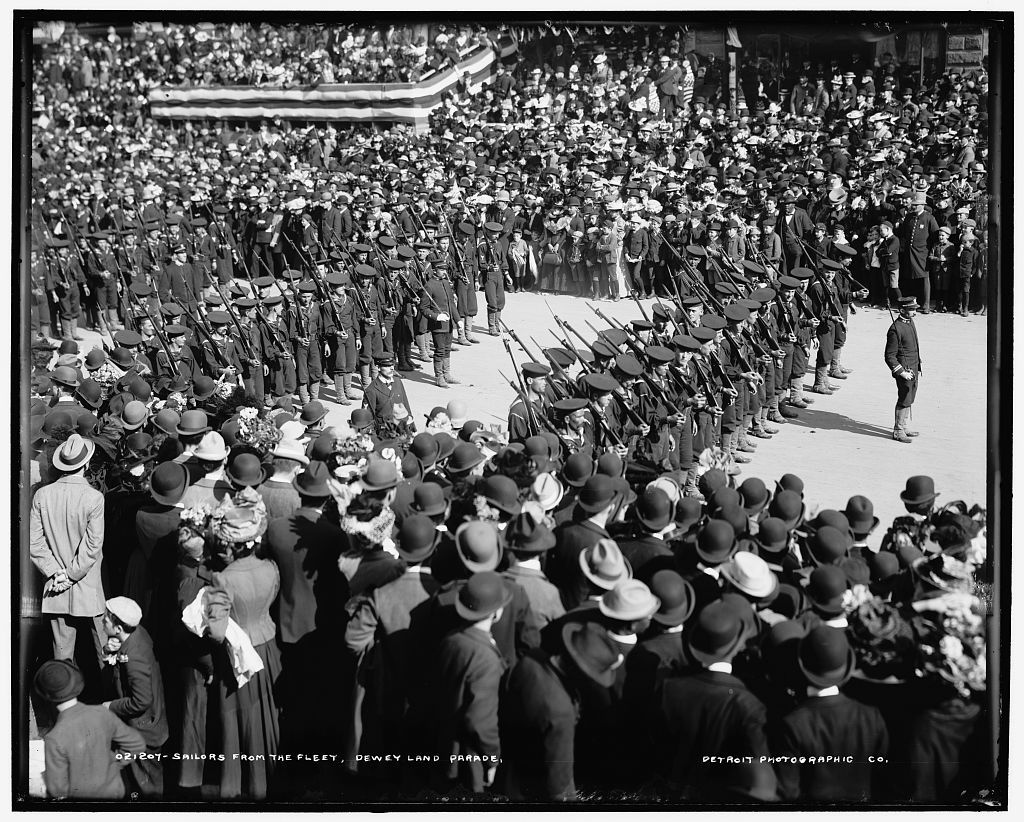 Sailors from the fleet, Dewey Land Parade