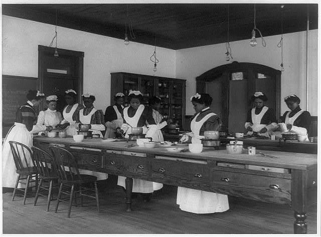 [Ten Afro-American women in cooking class at Hampton Institute, Hampton, Va.]