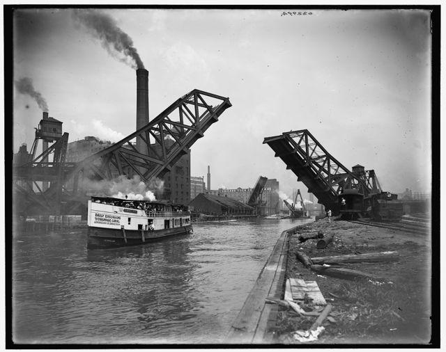 [12th St. Bascule Bridge, Chicago, Ill.]