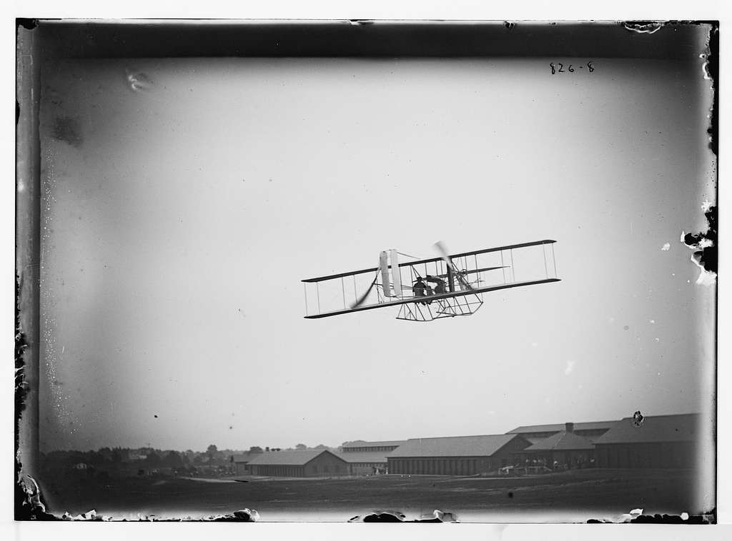 Aeroplane in flight
