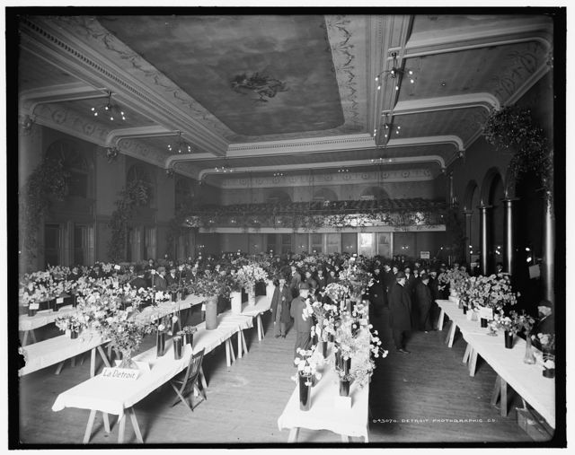 [American Carnation Society exhibition, general view, Detroit, Mich.]