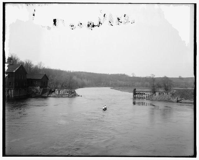[Ann Arbor, Mich., broken dam, Huron River]