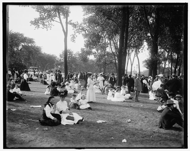 [Band concert, Lincoln Park, Chicago, Ill.]