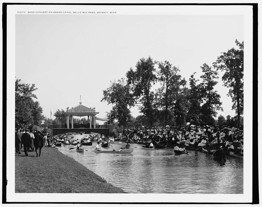 Band concert on Grand Canal, Belle Isle Park, Detroit, Mich