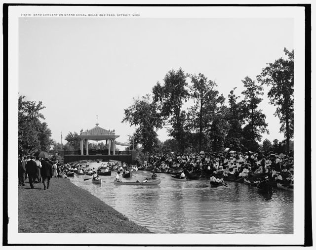 Band concert on Grand Canal, Belle Isle Park, Detroit, Mich.