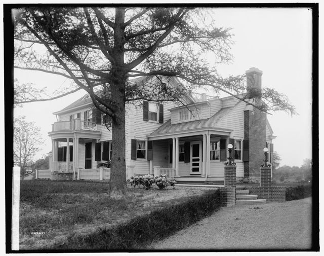 [Calloway residence, back & side with tree & flower bed, Mamaroneck, N.Y.]
