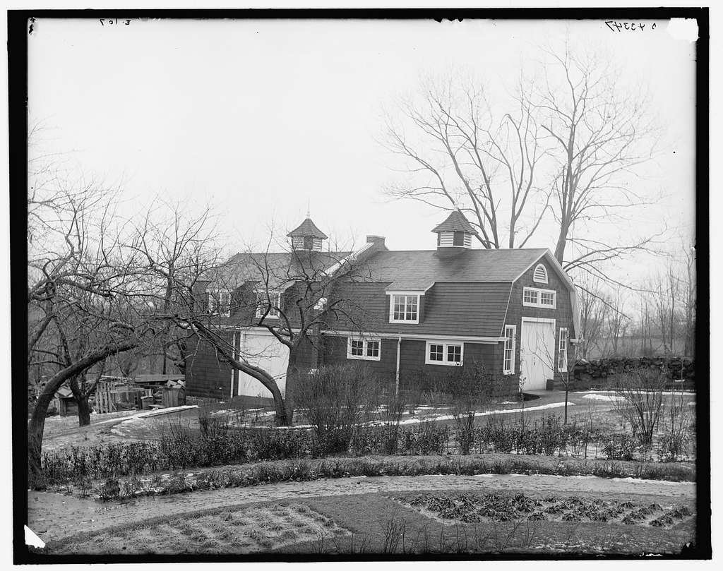 Carriage house and grounds at club, New York City