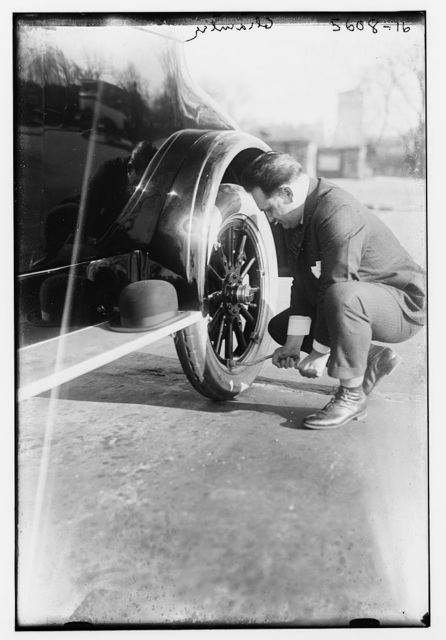 Chamlee [fixing tire]