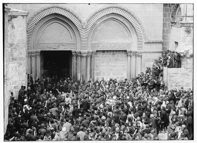 "Church of the Holy Sepulchre and surroundings. Crowds awaiting the ""Holy Fire"""