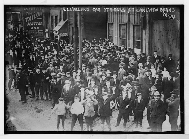 Cleveland trolley car strikers at Lakeview barns