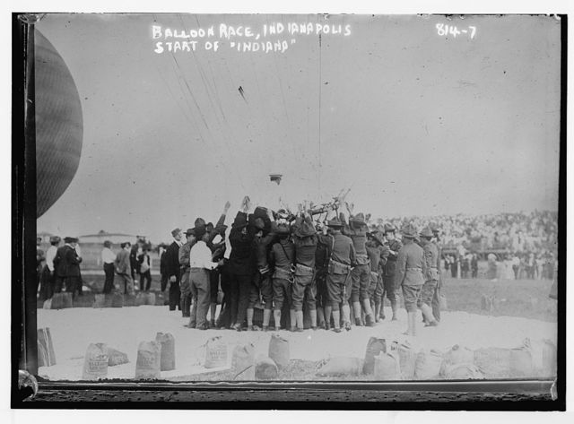 "Crowd at balloon race, start of balloon ""Indiana"", Indianapolis"