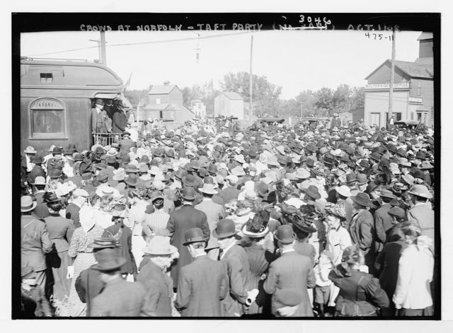 Crowd at Norfolk - Taft party