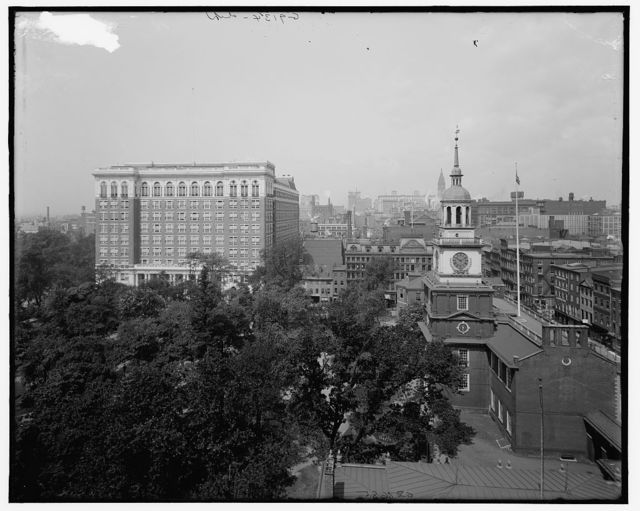 [Curtis Publishing Company Building and Independence Hall, Philadelphia, Pa.]