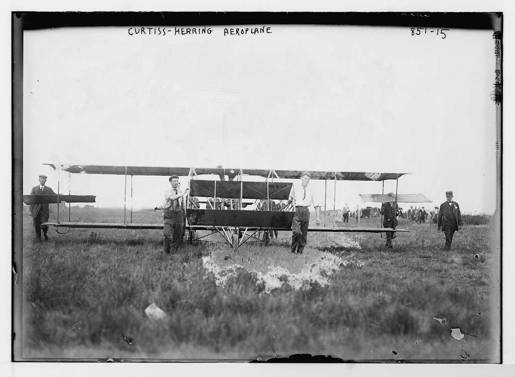 Curtiss-Herring aeroplane, on field