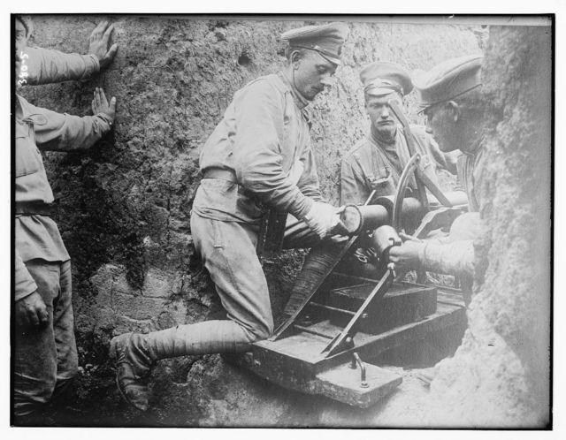 Czech War scene: soldiers loading gun