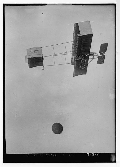 De la Rue aeroplane (Ferber's), in flight