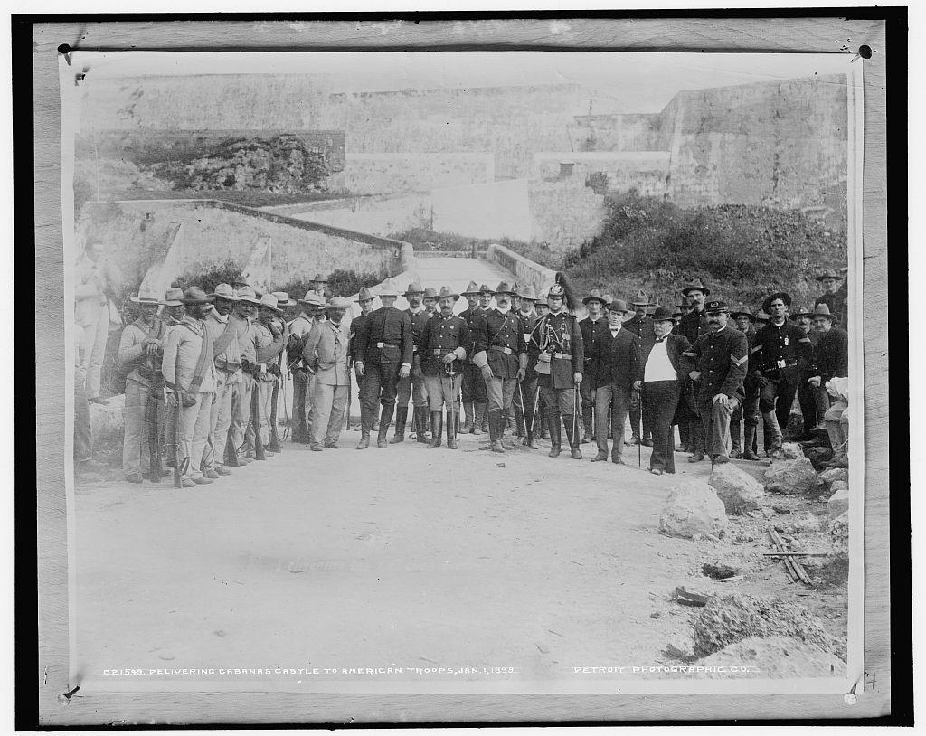 Delivering Cabanas Castle to American troops, Jan 1, 1899