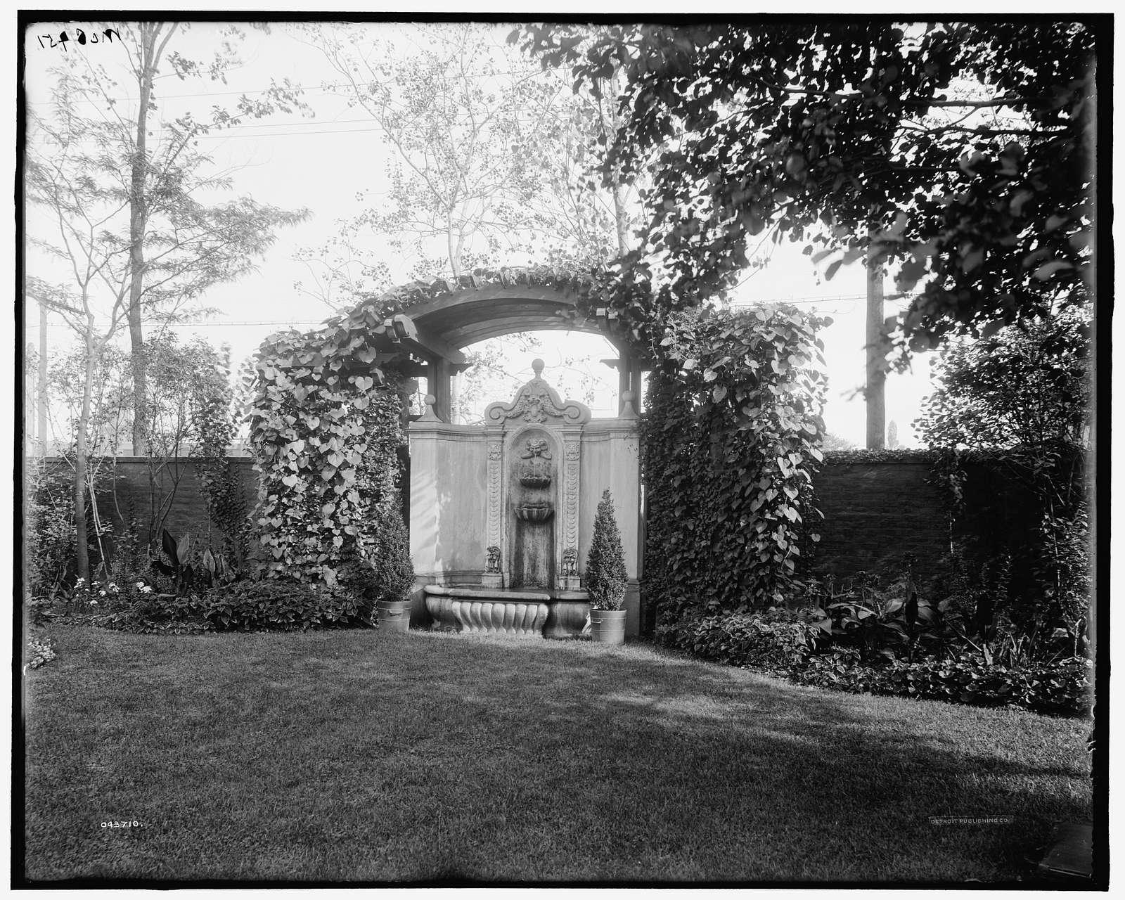 Detroit, Mich., Franklin H. Walker residence, fountain