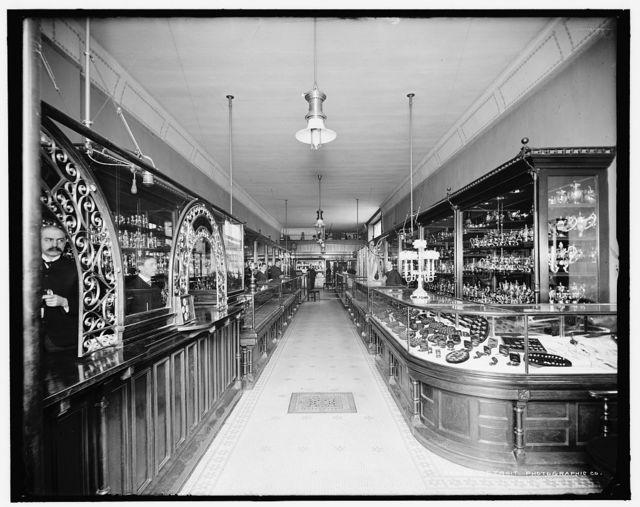 [Detroit, Mich., interior of Traub Bros. store]