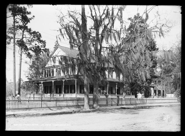 Dorchester Inn near Charleston, S.C.