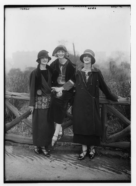 Duncan girls (Margo, Lisa & Anna)