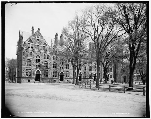 Durfee Hall and chapel, Yale College