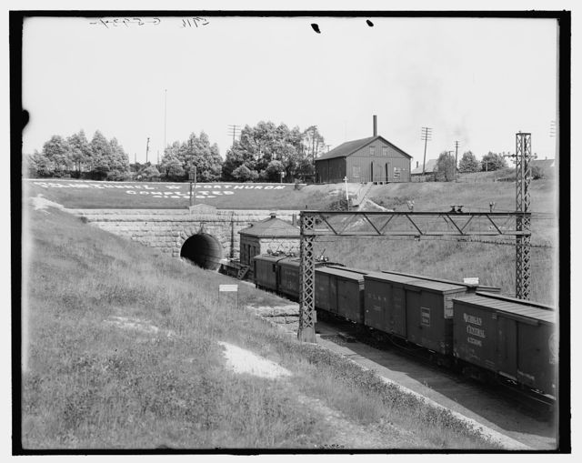 [Entrance to St. Clair tunnel, Port Huron, Mich.]