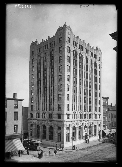 [Fidelity Trust Company building]