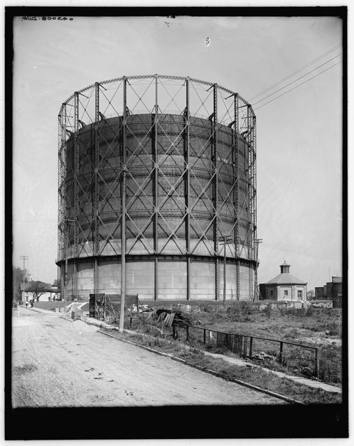 [Gas tank, Detroit City Gas Company, Detroit, Mich.]