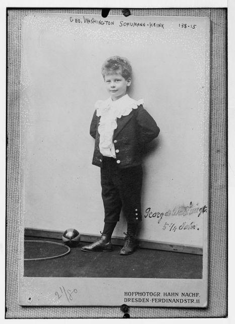 Gen. Washington Schumann - Heink, standing with ball, 5 1/4 years, photo: Hahn Nachf., Dresden, Ferdinand Str.