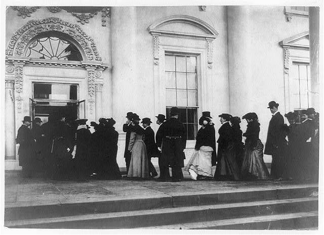 General public being admitted to White House for New Year's reception