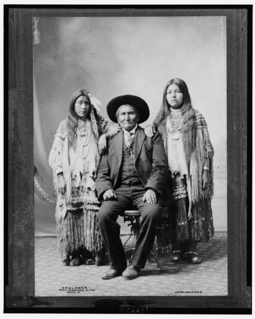Geronimo Apache cheif [sic] and his two nieces, died Feb. 16th [19]09 / H.H. Clarke, Oklahoma City, Okla.