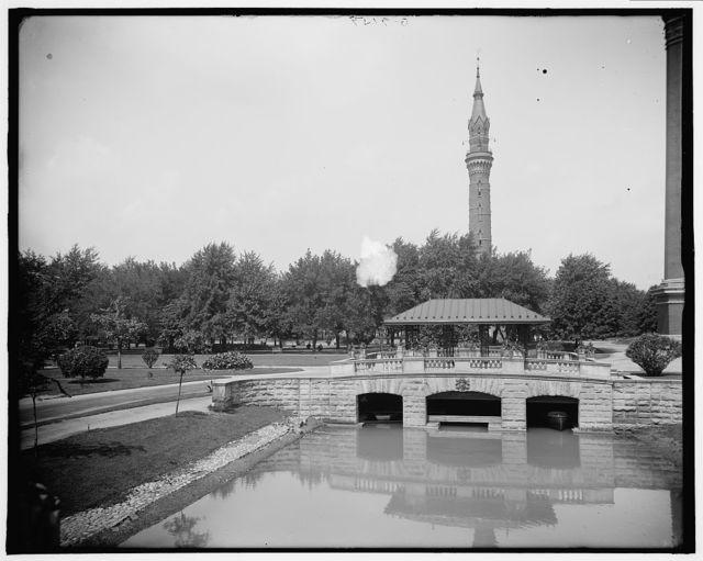 [Gladwin (i.e. Water Works) Park, bridge over pavilion, Detroit, Mich.]
