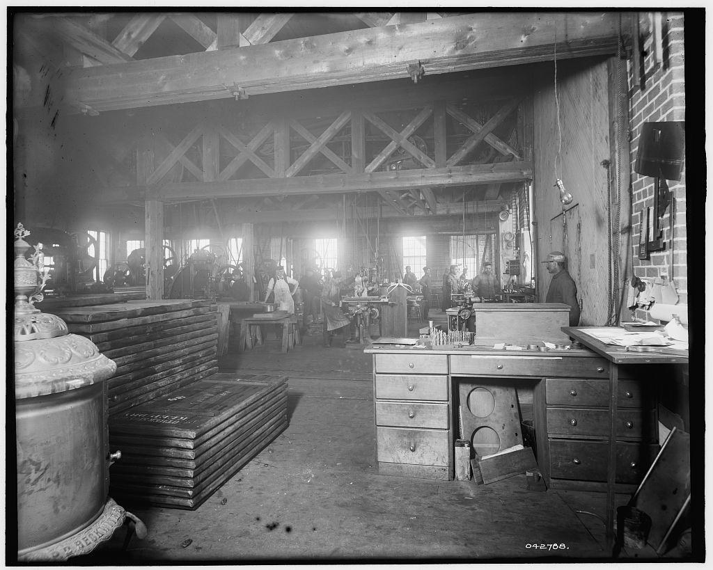 [Glazier Stove Company, machine room, Chelsea, Mich.]