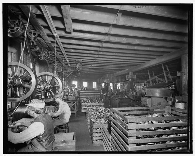 [Glazier Stove Company, tank room, Chelsea, Mich.]