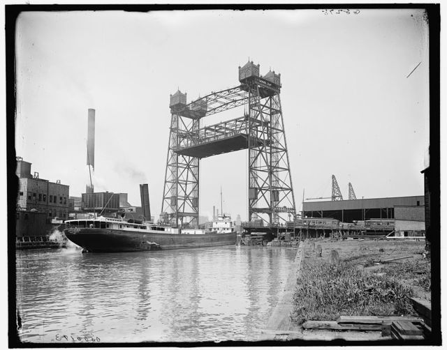 [Halstead Street lift bridge, Chicago, Ill.]