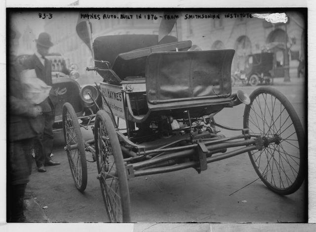Haynes auto, built in 1876, now in Smithsonian Institute