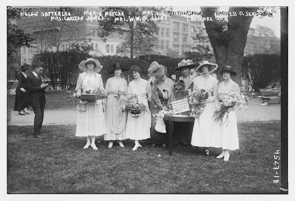 Helen Satterlee, Marie Meyler, Mrs. L.E. Witherspoon, Baroness O. Serdobin, Mrs. Carlton James, Mrs. W.W.G. Eliot, & Leonore Cox