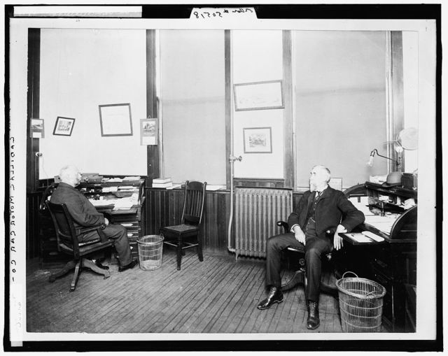 [Henry Leland (right) and Robert Faulconer (left), in office at Leland & Faulconer Manufacturing Co., Detroit, Mich.]