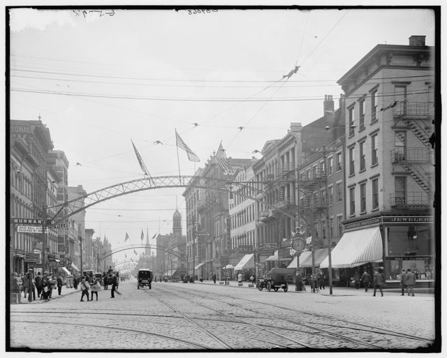 [High Street, south from State, Columbus, Ohio]
