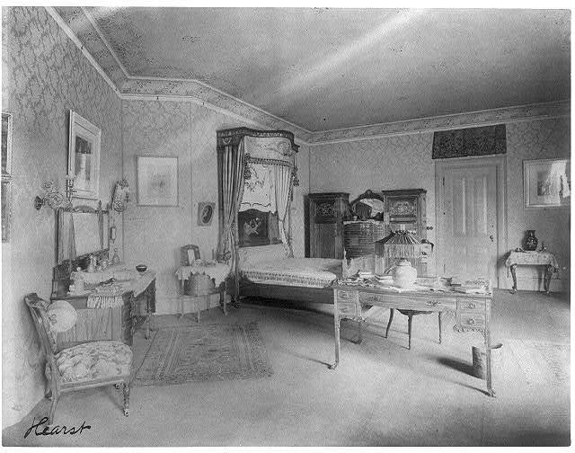 [Home of Phoebe Apperson Hearst (widow of George Hearst) at 1400 New Hampshire Ave., NW, Washington, D.C.]