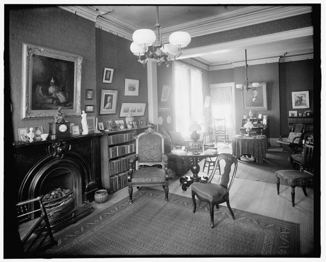 [Interior, 121 Henry Street sitting room, showing grate, Detroit, Mich.]