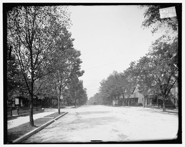 [Knoxville, Tenn., 5th Ave., looking from Deery St.]