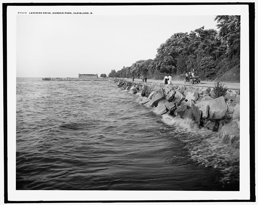 Lakeside [i.e. Lake Shore] Drive, Gordon Park, Cleveland, O[hio]