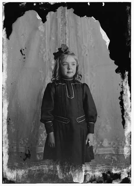 [Leontine Wright, daughter of Lorin Wright, niece of Wilbur and Orville, three-quarter length]